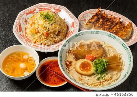 とんこつラーメン  tonkotsu pork ramen Japanese food 46163856