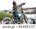 自転車に乗る男の子 46366137