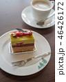 美味しそうな木苺のケーキ 46426172