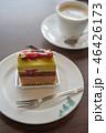 美味しそうな木苺のケーキ 46426173