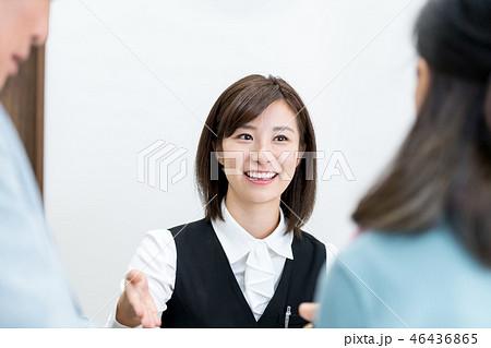 若い女性、受付、病院、フロント 46436865