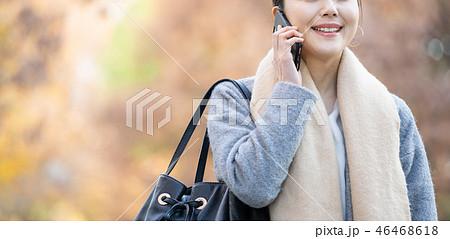 ビジネスウーマン 秋 コート OL ライフスタイルイメージ 46468618
