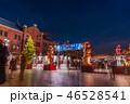 日本 カップル クリスマスツリーの写真 46528541