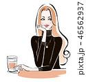 カフェで一息 黒セーター 46562937