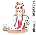 カフェで一息 ピンクの夏服 46562941