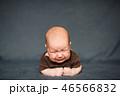 新生児 泣く 泣き声の写真 46566832