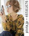 カメラ メガネ 女性の写真 46581676