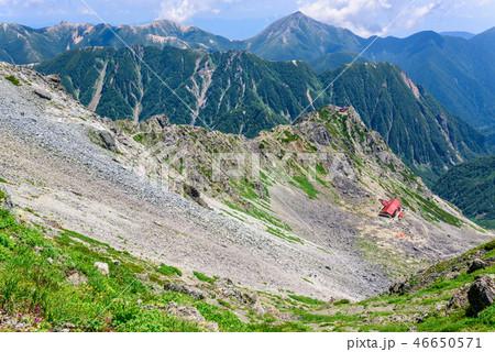 槍沢と常念山脈の写真素材 [4665...