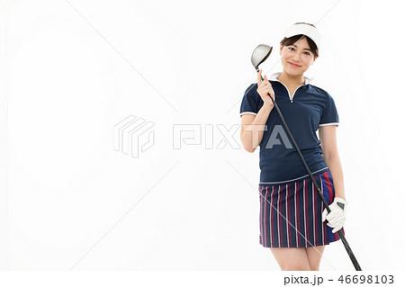 若い女性 ゴルフ 46698103
