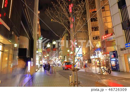 中洲中央通り 福岡県福岡市博多区、歓楽街中洲の中央を横断する道路 46726309