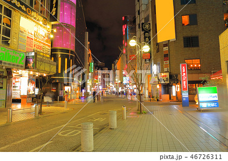 中洲中央通り 福岡県福岡市博多区、歓楽街中洲の中央を横断する道路 46726311