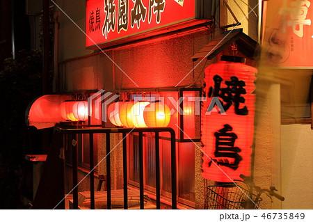 中洲の風景・路地と提灯 福岡県福岡市博多区、歓楽街中洲 46735849