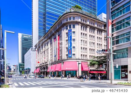 東京 日本橋 中央通りの風景(日本橋2丁目交差点) 46745430