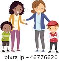 子供 お母さん 母のイラスト 46776620