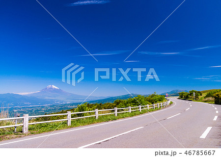 (静岡県)伊豆スカイラインから富士山を望む 46785667