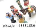 小さな粘土人形 46851639