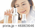 女性 若い女性 化粧の写真 46863646