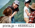 家族旅行 湖 キャンプ 46866121