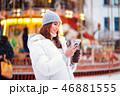 スマホ スマートフォン 女の写真 46881555
