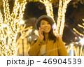東京・表参道・クリスマスイルミネーション スマートフォン女性 46904539