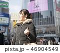 東京・渋谷・スクランブル交差点・女性 46904549