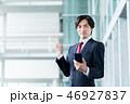スマートフォン ビジネスマン ビジネスの写真 46927837