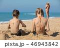 ビーチ 浜辺 人々の写真 46943842