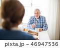 夫婦 老人 シニアの写真 46947536
