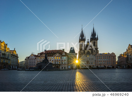 Sunrise in Prague old town square in Czech 46969240