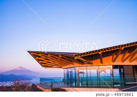 (静岡県)日本平夢テラスから望む富士山 46973661