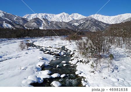 白馬大橋から眺めた冬の北アルプス 46981638