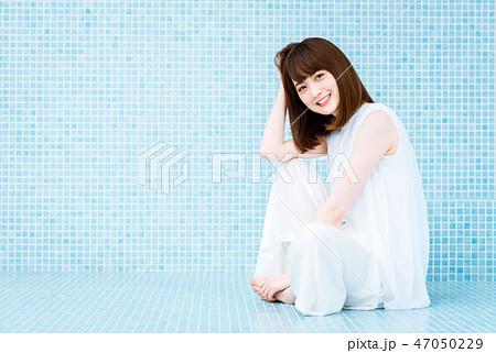 若い女性 47050229