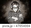 ヘッドフォン ヘッドホン 女性の写真 47054004