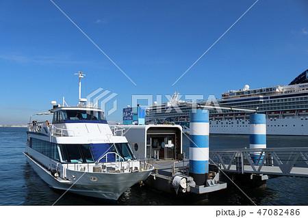 横浜港 47082486