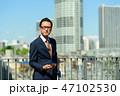 ビジネスマン 男性 スマートフォンの写真 47102530