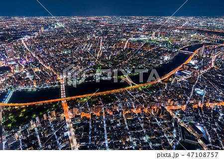 《東京都》東京ベッドタウンの夜景《スカイツリー展望台より》 47108757