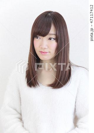 若い女性 ヘアスタイル 47117412