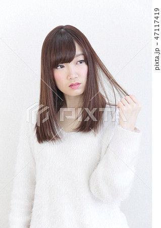 若い女性 ヘアスタイル 47117419