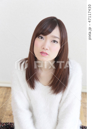 若い女性 ヘアスタイル 47117430