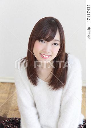 若い女性 ヘアスタイル 47117432