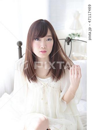 若い女性 ヘアスタイル 47117469