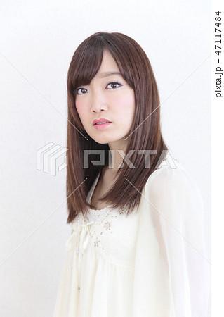 若い女性 ヘアスタイル 47117484