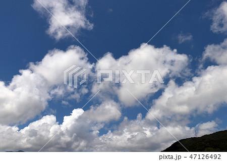 空と雲と山 47126492