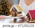 女性 クリスマス ジンジャーブレッドの写真 47130120