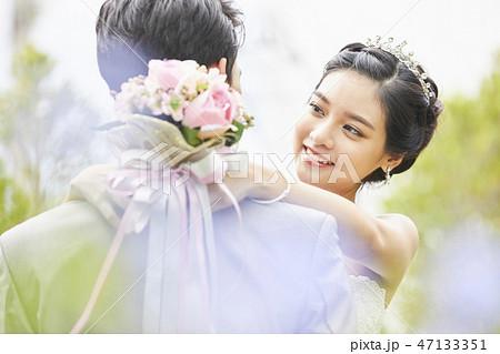 カップル 結婚 ブライダル 47133351