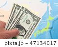 お金 現金 地図の写真 47134017
