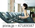 フィットネス スポーツジム トレーニング ミドル 女性 エクササイズ 47169387