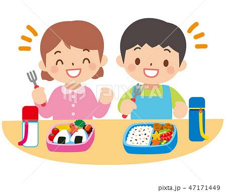 お弁当を食べる子供 47171449