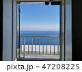 扉の向こうの海 47208225