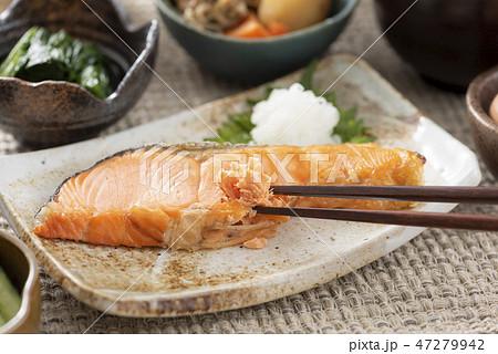 焼き鮭 47279942